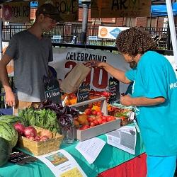 Old Brooklyn Farmers Market, Cleveland, IL